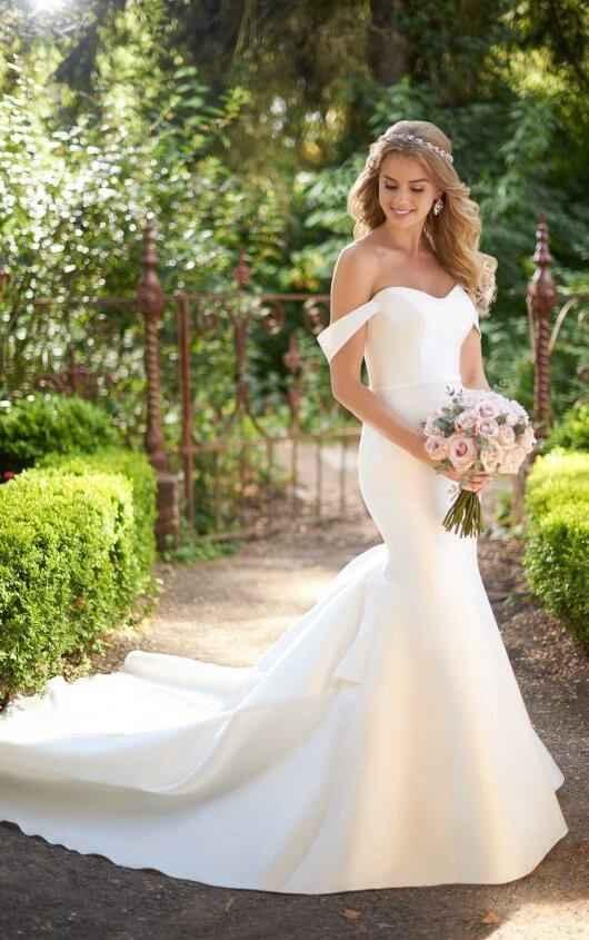 https://www.essensedesigns.com/martina-liana/wedding-dresses/914/