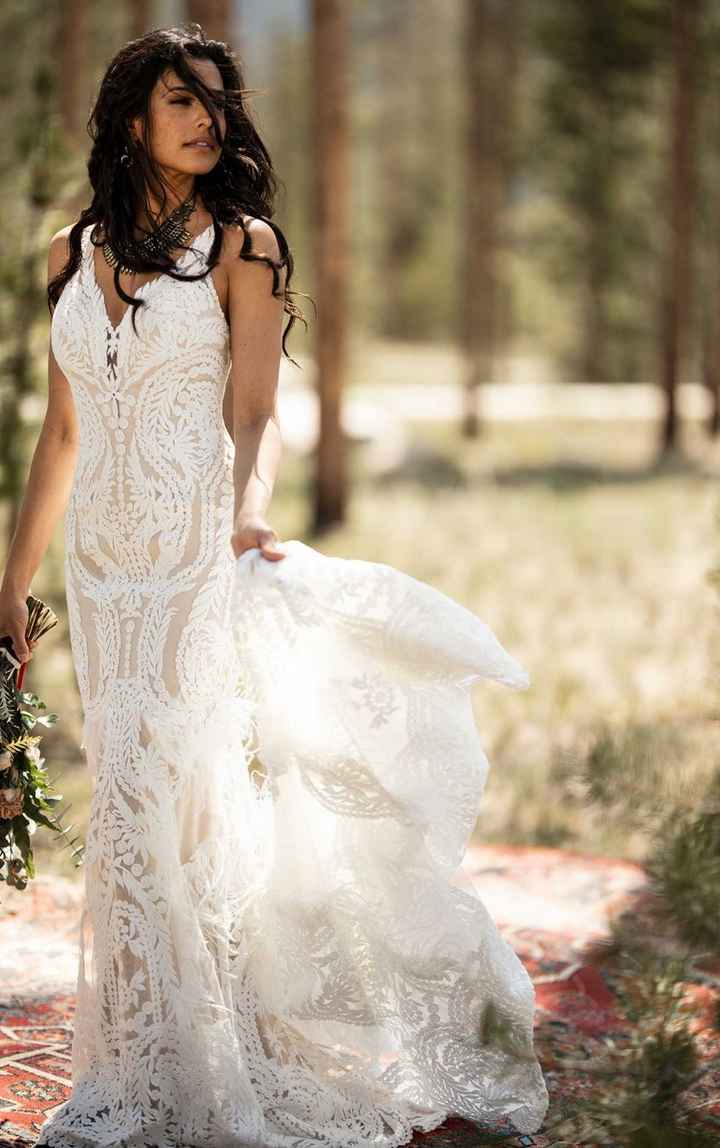 https://www.essensedesigns.com/all-who-wander/wedding-dresses/rowen/