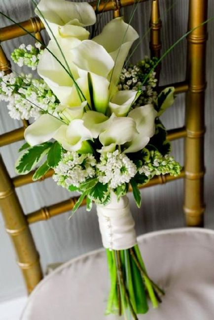 Bridal Bouquet: Color or White? 2