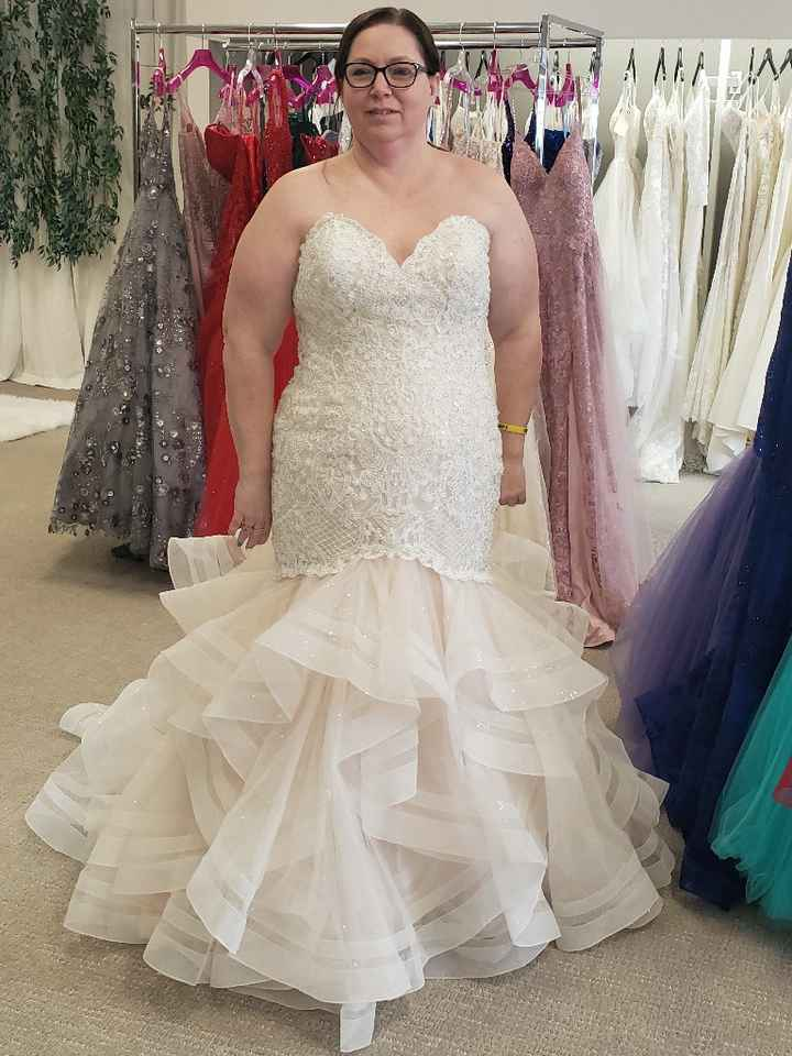 So my dress came in that i bought based on photo... - 1