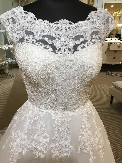 Finding my dream dress in a picture 3