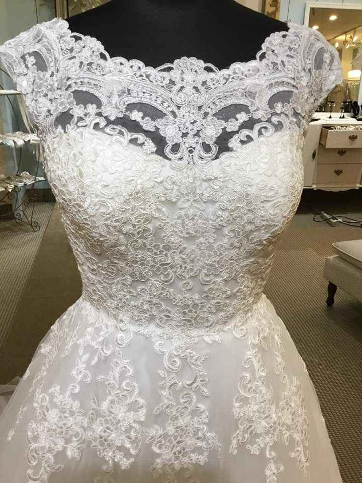 Finding my dream dress in a picture - 3