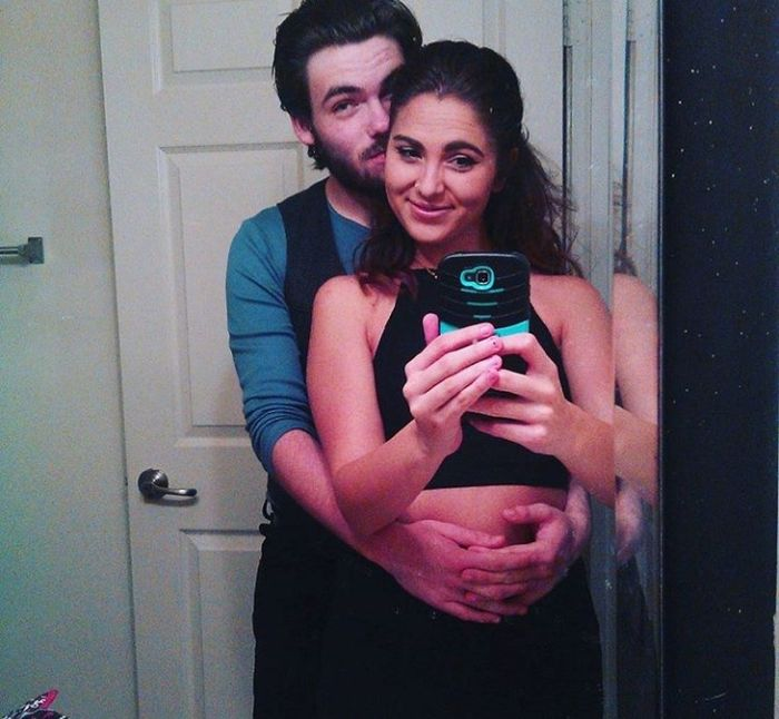 Post your first selfie as a couple! 6