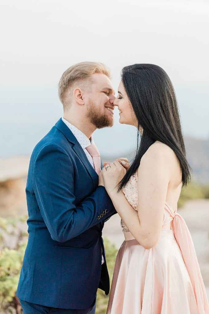 We got our engagement photo's back! - 5