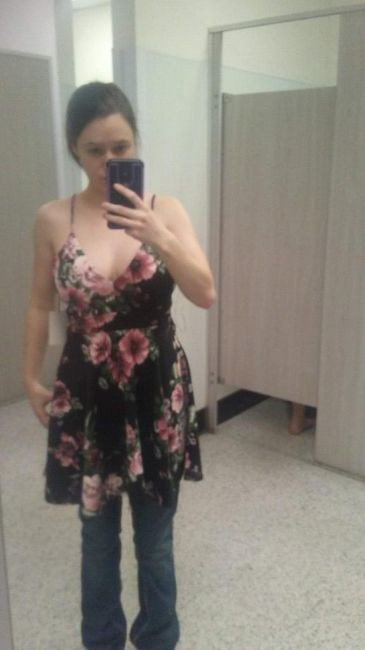 Keep or Cancel: Matching Bridesmaids Dresses? 2
