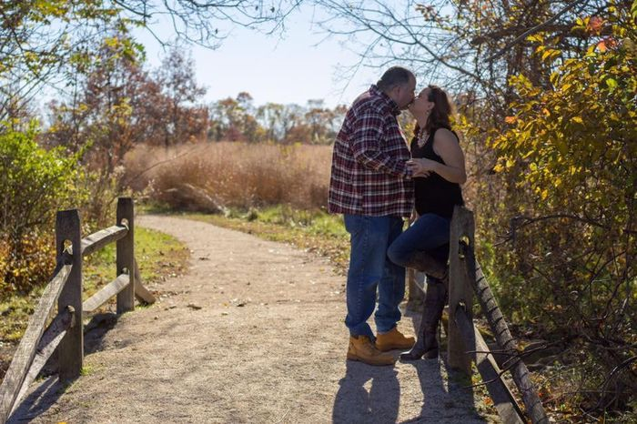 Fall Engagement Pictures Ideas 9