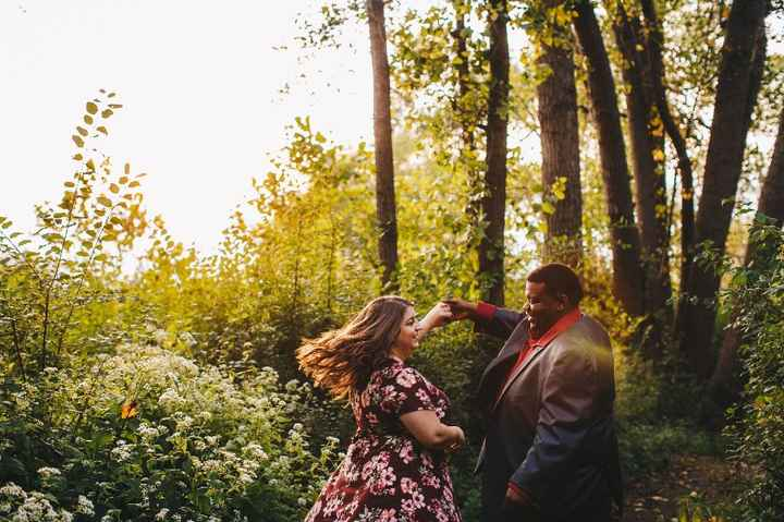 Show Me Your Fav Engagement Photo(s)! - 1
