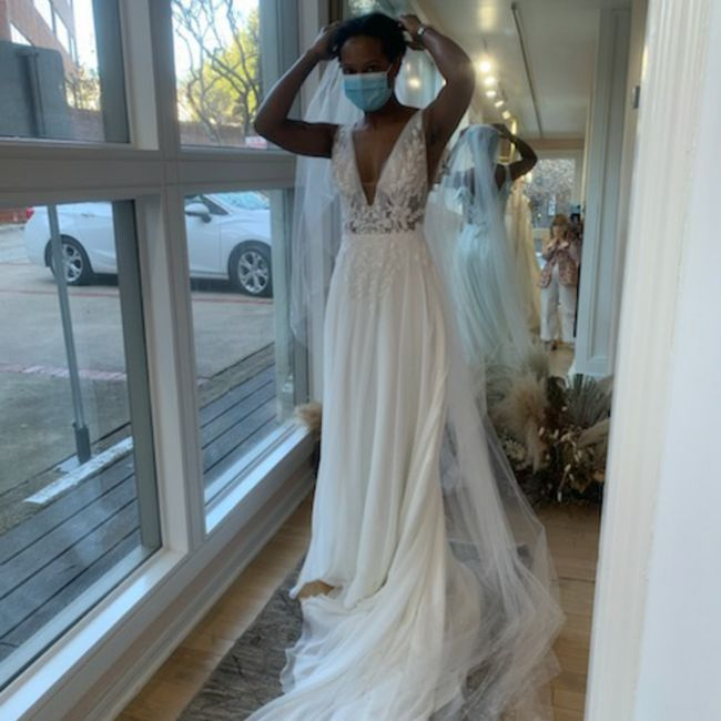 Help! can't decide between 2 dresses! 2