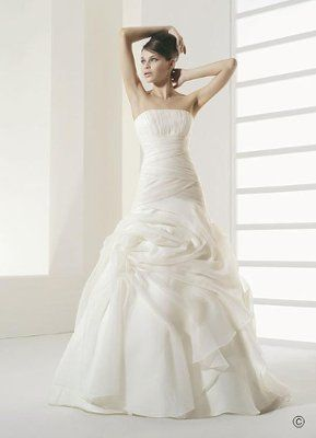 4a0134fa20e5 One of the major falsities of the idea of the white wedding dress is that  the color white indicates some sort of purity or virginity.