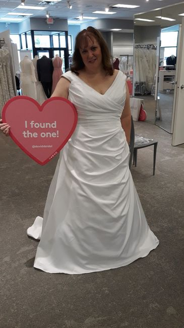 Fall wedding dress inspo 1