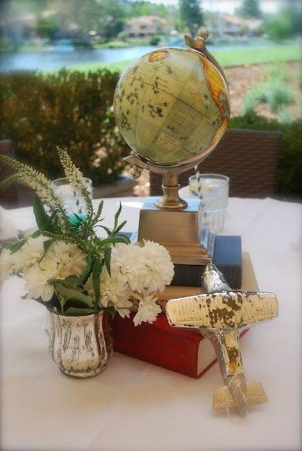 Centerpiece idea.. will add brass candlestick holders and vases