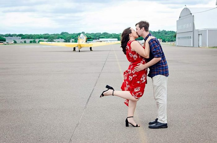 Show off your favorite engagement pictures 61