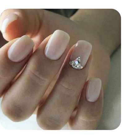 Can i see pics of your nails with crystals! - 2