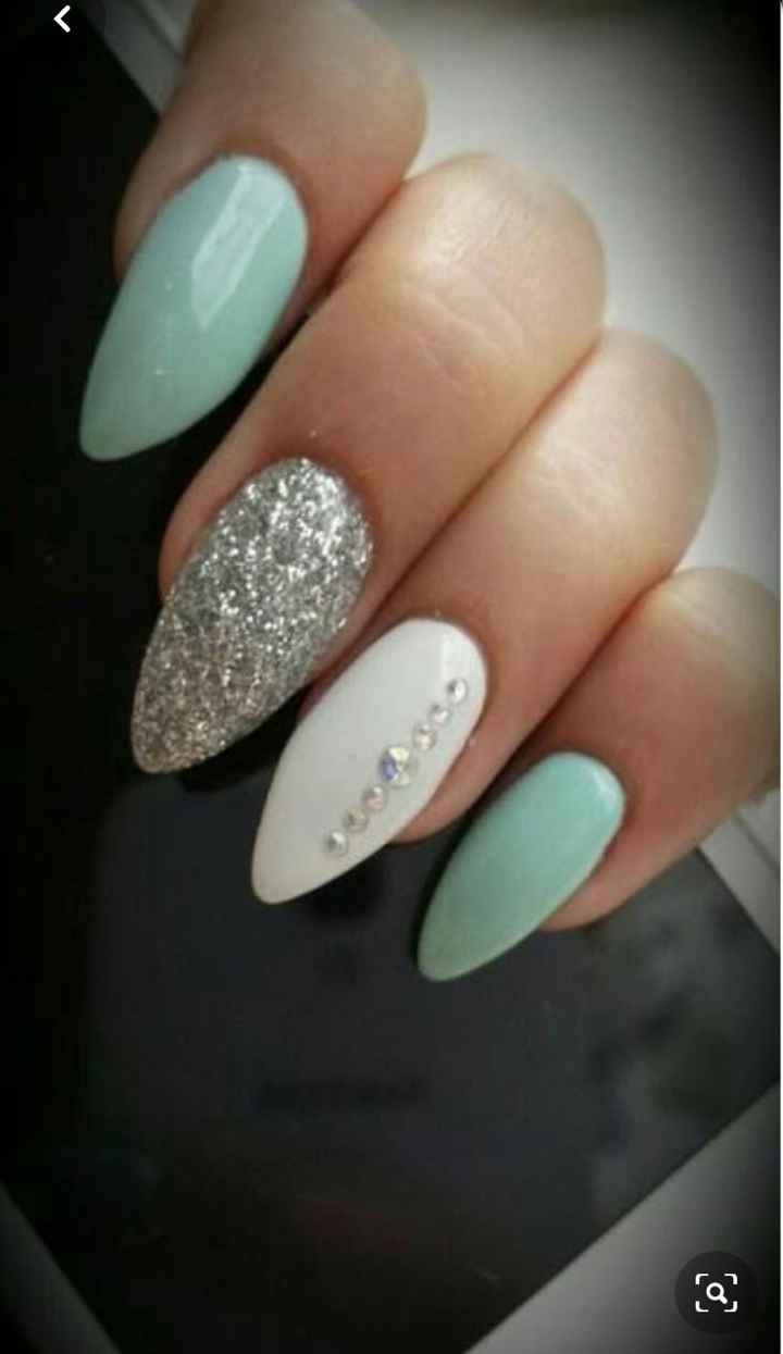 Can i see pics of your nails with crystals! - 3