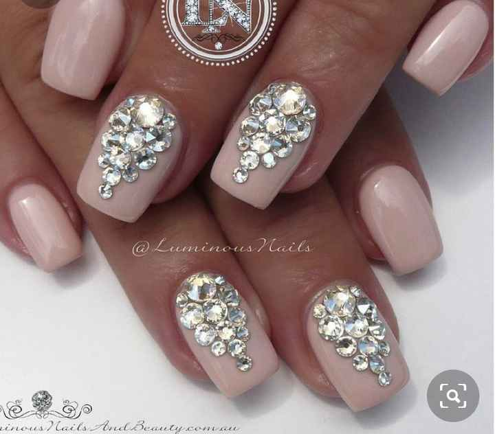 Can i see pics of your nails with crystals! - 4