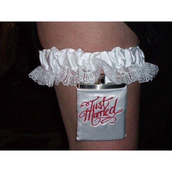 How do I make a flask garter