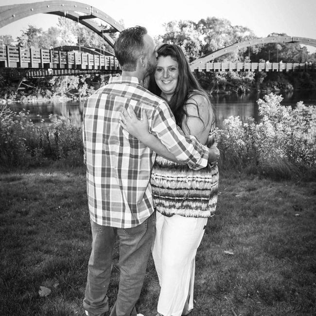 Favorite engagement pictures! 27