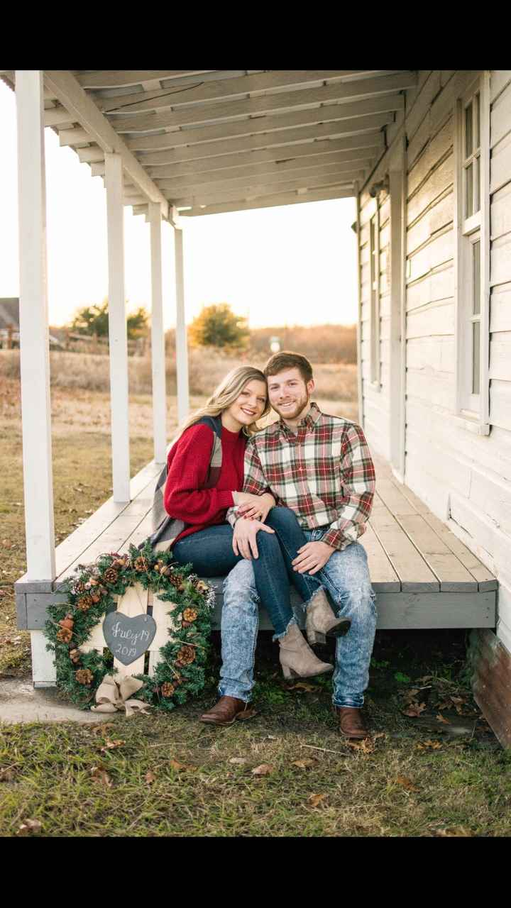 Show me your engagement picture outfits! - 1