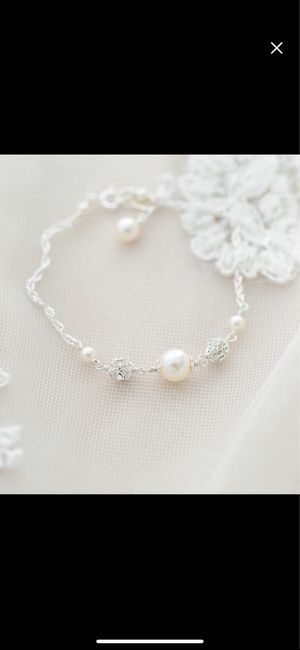 Are you a diamond or pearl jewelry bride? 1