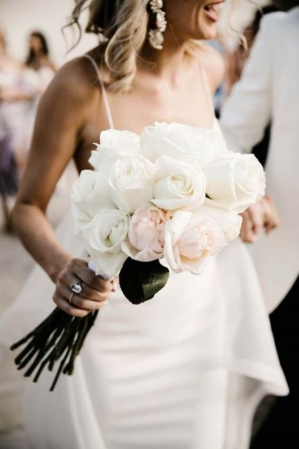 Decor Duel: Roses or Peonies? 1