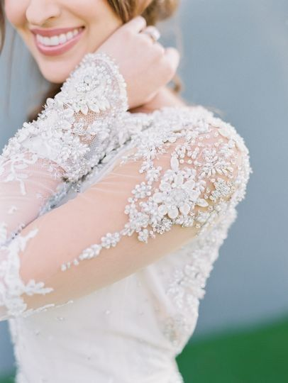 What's your favorite part of your wedding dress? 😍 1