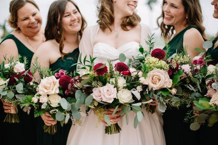 Bouquets - Matching or Mixing It Up? 1