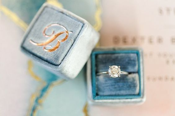"""Do you ever take your engagement ring off? What are your """"ring rules""""? 💍 1"""