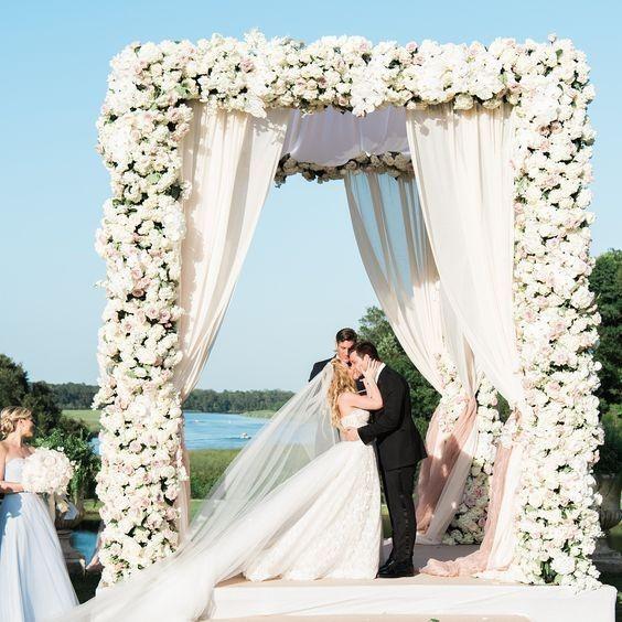 Shawn Johnson Wedding.Weddingwire Winter Games Tara Lipinski Vs Shawn Johnson Weddings