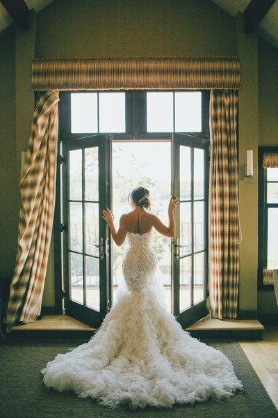 Dress decisions: train or no train? | Weddings, Wedding