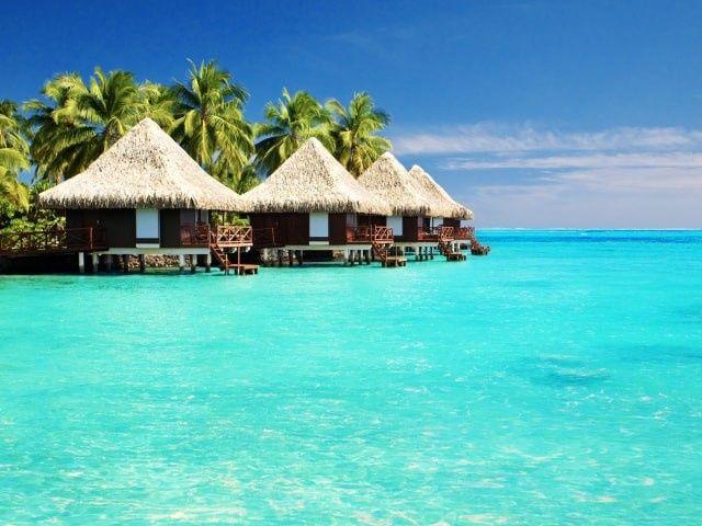 Who chose the honeymoon destination? You or your fiancé(e)?? 2
