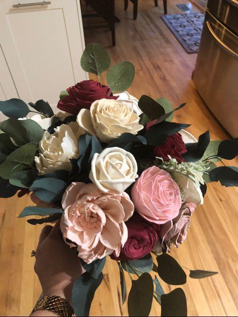 Which Winter Wedding Bouquet? 1