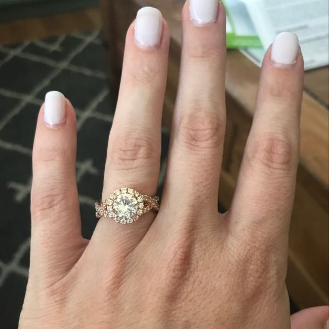 Who has a rose gold ring? 4