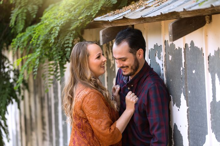 Show off your favorite engagement pictures 23