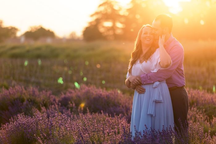 Show off your favorite engagement pictures 26