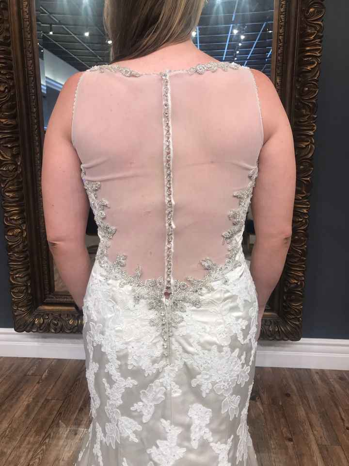 Say yes to the sexy dress?! - 3