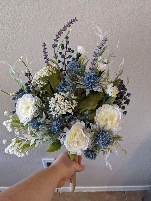 Help me figure out my bridesmaids bouquets? Please? 4