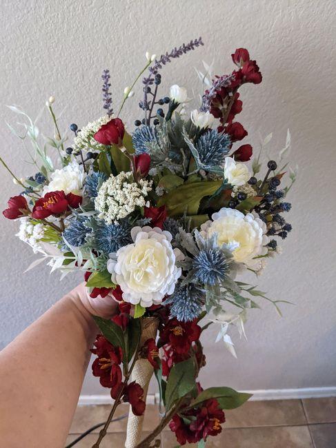 Help me figure out my bridesmaids bouquets? Please? 6