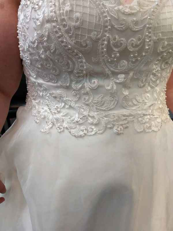 close up of the lace detail and also look at my waist :)