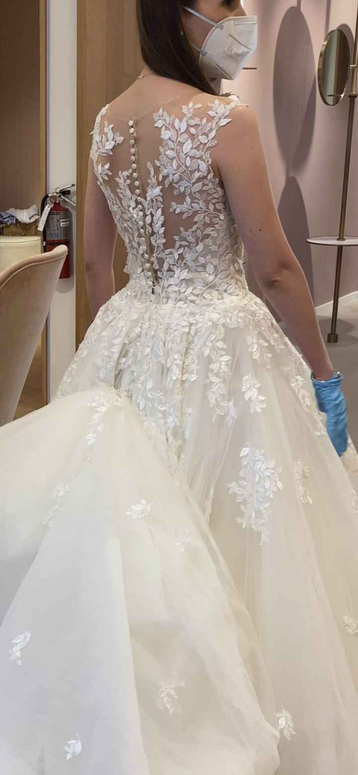 Ruined wedding dress. With pics. 3