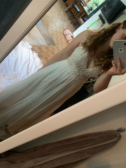 i bought a second dress. Now i have to sell my first... Advice? 😩 - 3