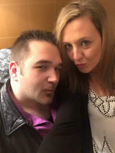 Post your first selfie as a couple! 4