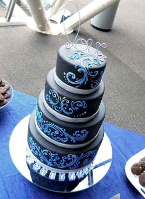 Can I see your wedding cake?