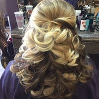 Please show me your half up/half down hairstyles!