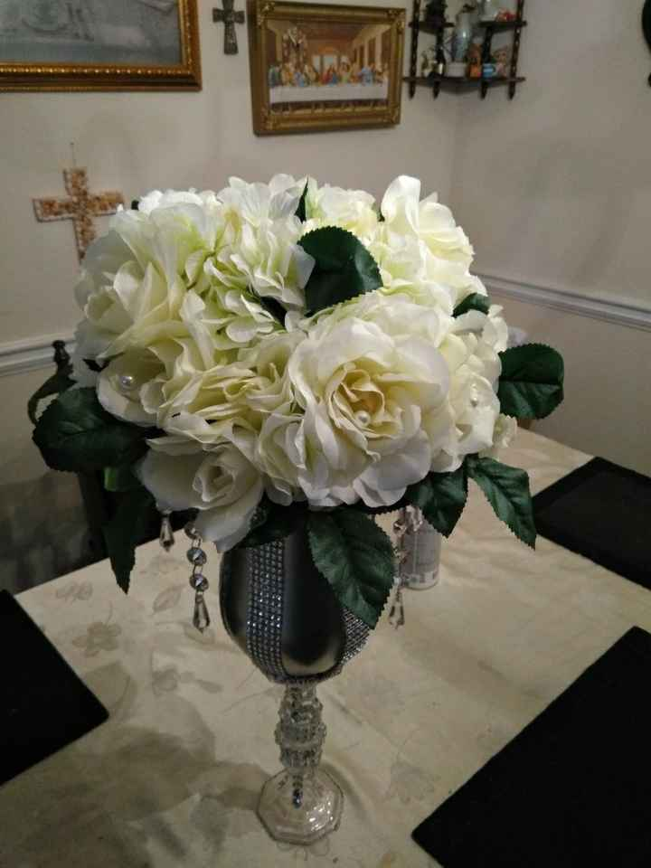Are there any brides, doing their own centerpieces? - 1