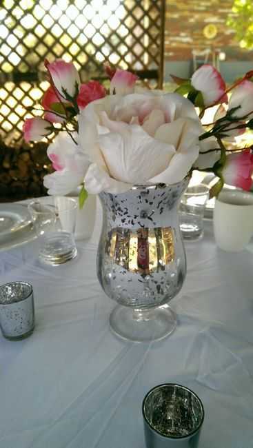 Is a base for the centerpiece necessary?  Share pics for those without! 1