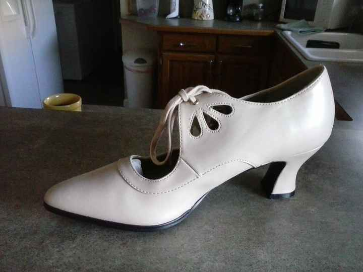 Would love to see everyone's bridal shoes?