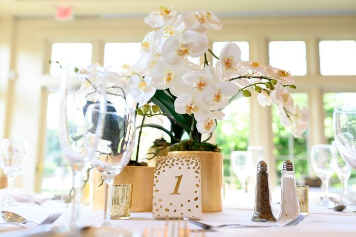 Does it look funny if the centerpieces are different colors? 6