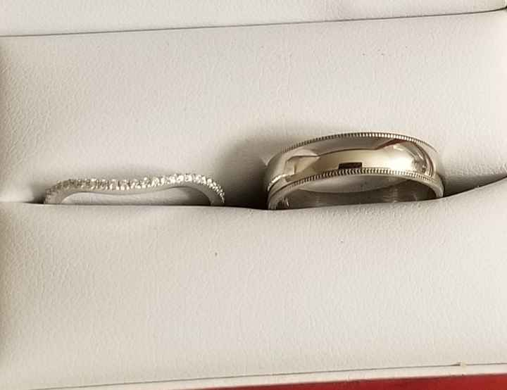 Can i see the your Fh's wedding band? - 1