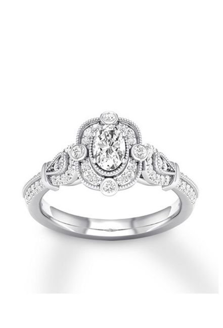 i want to see your engagement rings! 12
