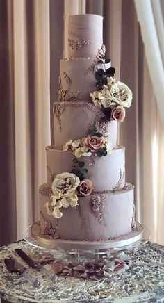 How gorgeous is this cake?!